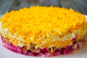 Сочный и сытный «Праздничный» салат