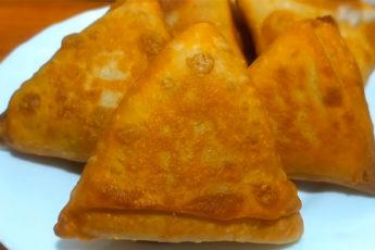 Чебуреки-треугольники с мясом и… водкой