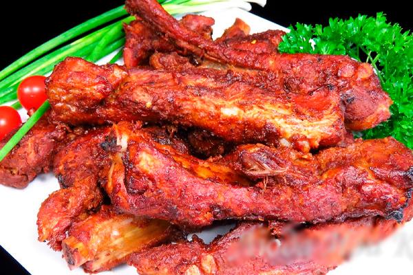 Праздничный рецепт запеченных свиных ребрышек
