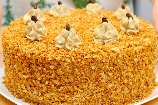 Ореховый торт с кофейным вкусом и ореховым крокантом