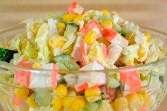 Легкий салат из крабовых палочек
