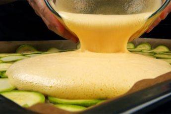 Рецепт приготовления кабачков вкуснее мяса. Заливаем яйцами и собираем рулет