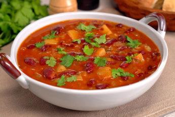 Берем банку фасоли и готовим наваристый грузинский суп «Шешамади»