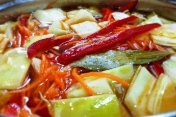 Капуста по-корейски — закуска, которая займет почетное место на столе