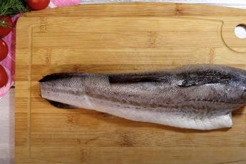 Как приготовить минтай вкуснее красной рыбы: тонкость в сливочной заливке