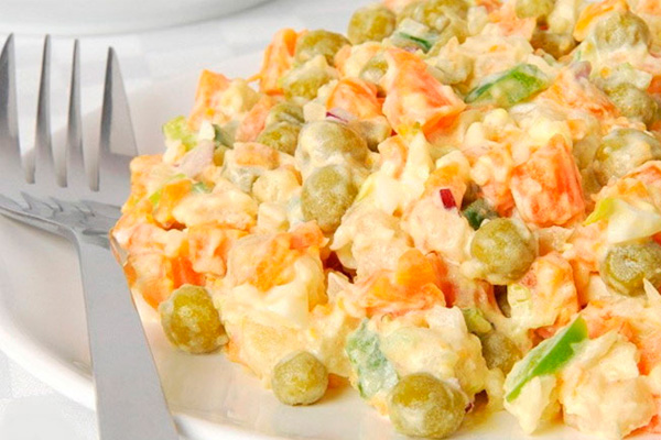 Люблю салат «Николь». Легкий и очень нежный. И никакого майонеза