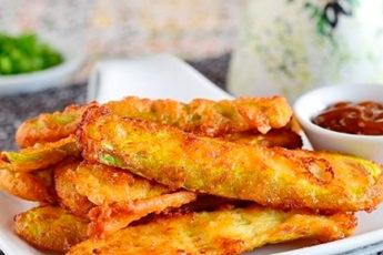 Хрустящие кабачки в кляре с сыром