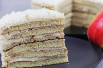 Торт на сковороде с яблочным заварным кремом