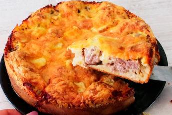 Сытный пирог с фрикадельками: просто и вкусно